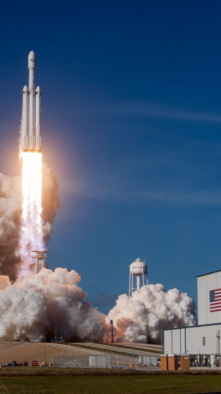Falcon Heavy Space X 2018
