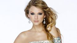 Taylor Swift Fashion Magazine 5K HD Wallpaper