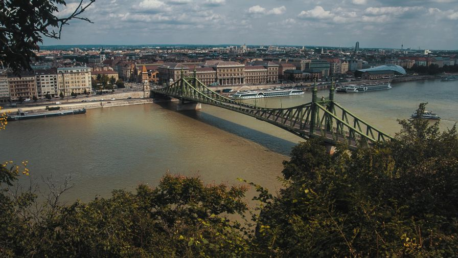 The Liberty Bridge in Budapest 4K Wallpaper